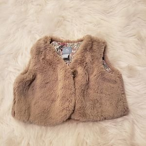 Baby Gap furry vest baby girls size 6-12mths